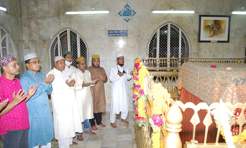 বেগম খালেদা জিয়ার সুস্থতা কামনায় দোয়া মাহফিল